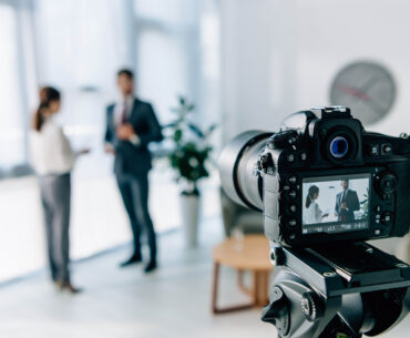 5-tips-to-be-comfortable-and-confident-on-camera